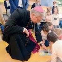 Monsignor Tremolada in visita alla nostra scuola.